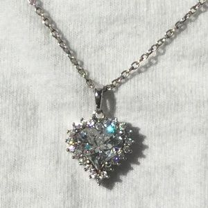 Sparkling crystal heart and chain in .925 silver